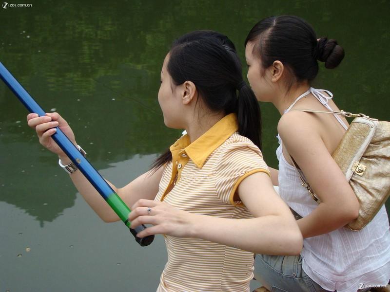 精彩美女钓鱼图